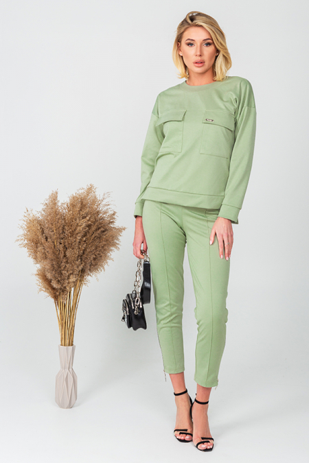 Костюм 21-010-39 узкие брюки зеленое яблоко