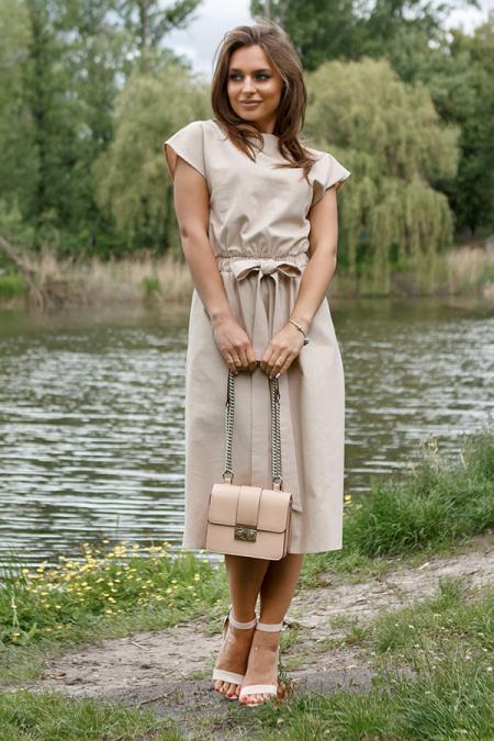 Платье 20-038-1 лен с V образным вырезом на спине. Купить оптом и в розницу
